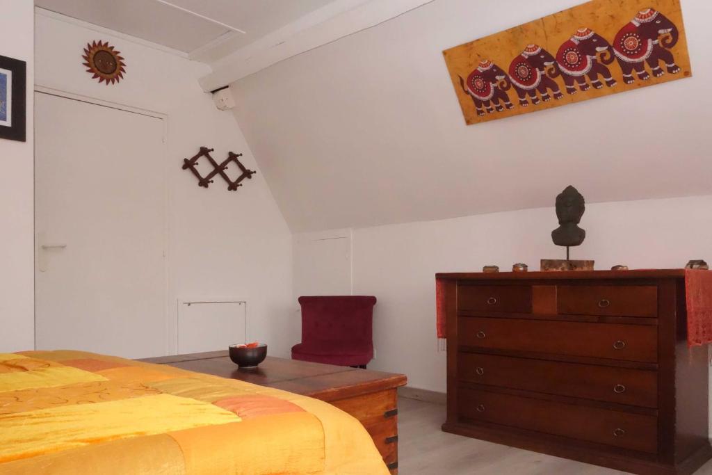 Chambre d 39 h tes le phenix chambres d 39 h tes saint martin - Chambre d hotes saint guilhem le desert ...