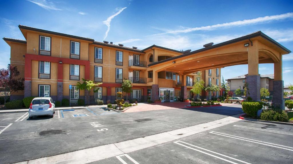 Best Western Plus Country Park Hotel Tehachapi Book Your Hotel With Viamichelin