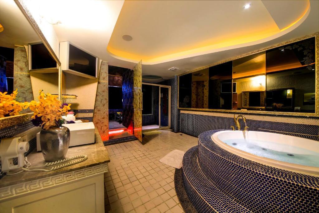 Wsb motel rende tainan reserva tu hotel con viamichelin for Motel con piscina privada