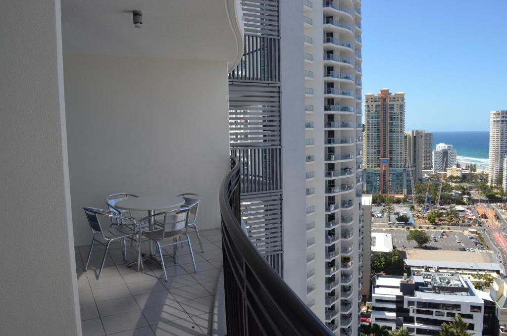 Appartement great escape at chevron renaissance appartement gold coast a - Appartement australie ...