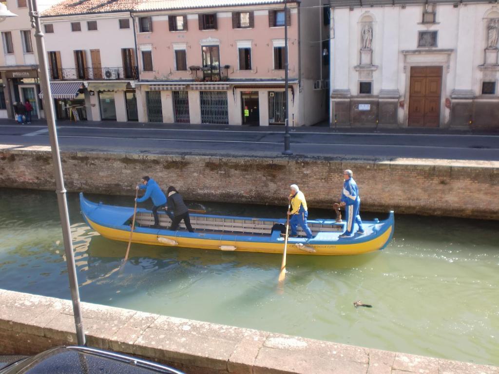 <div data-et-view=NAFQCDCcdXDPdFO:1</div Al Ponte Della Scalinata