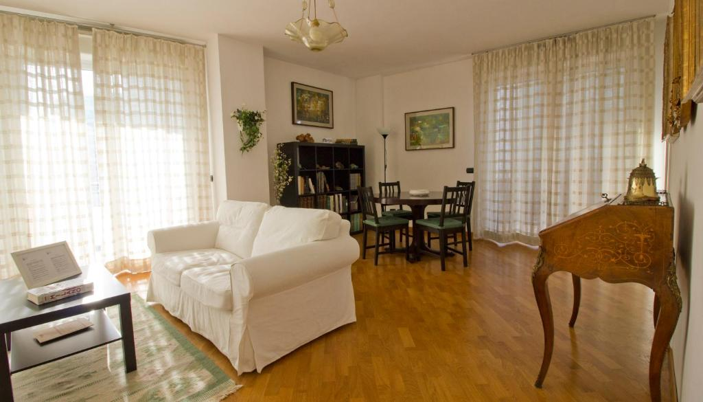 Italianway apartments pizzolpasso milano for Hotel mistral milano