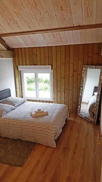 Chambres d 39 h tes domaine de l 39 etanchet chambres d 39 h tes saint hilaire le vouhis - Chambre d hote talmont saint hilaire ...