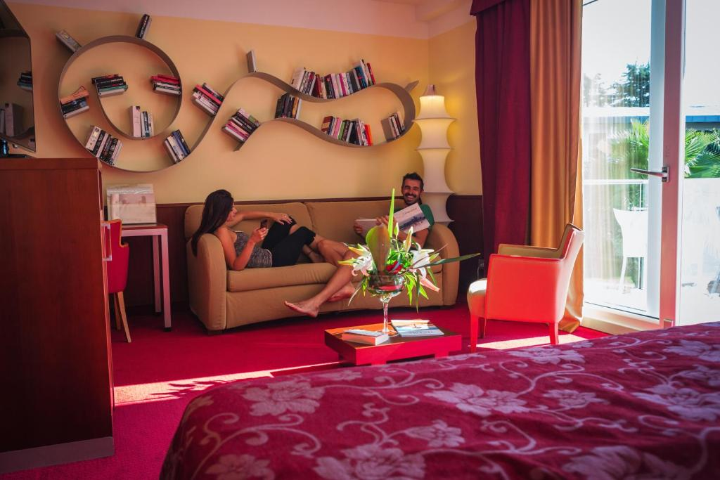 Color Hotel Style Design Bardolino Book Your Hotel