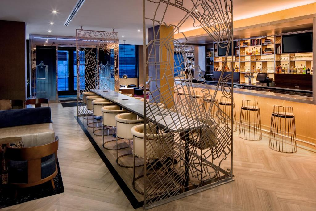 O lounge ou bar de Hilton Brooklyn New York