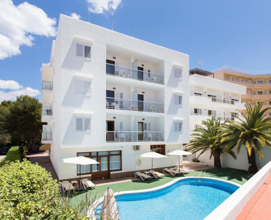 Apartamentos sof a playa ibiza santa eulalia del r o viamichelin informatie en online - Apartamentos sofia playa ibiza ...