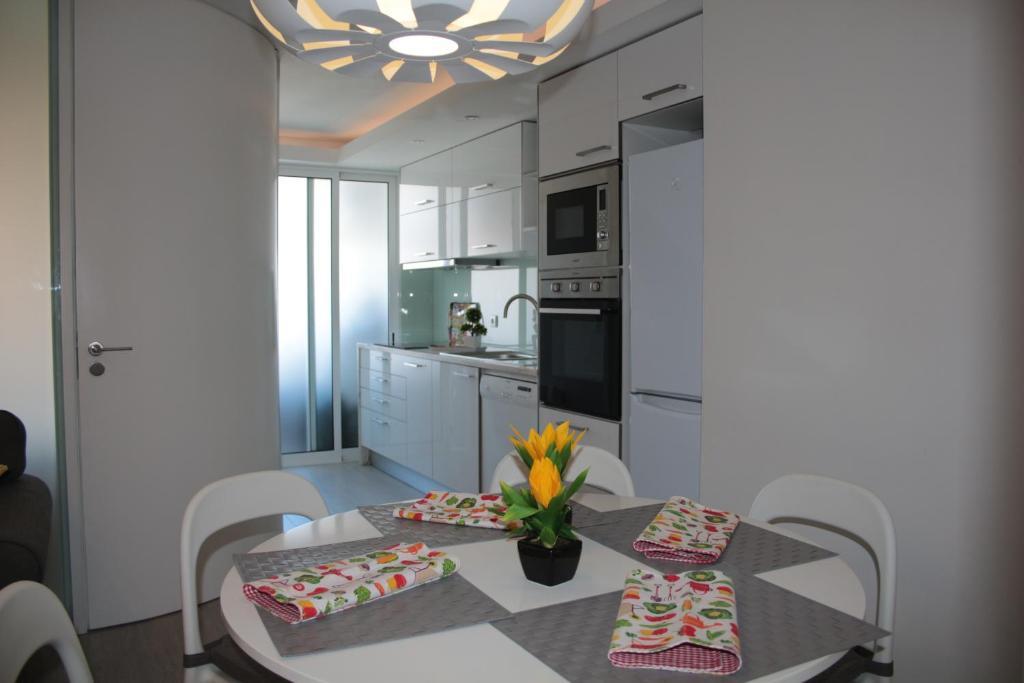 Porto with love apartment iii oporto reserva tu hotel con viamichelin - Booking oporto apartamentos ...