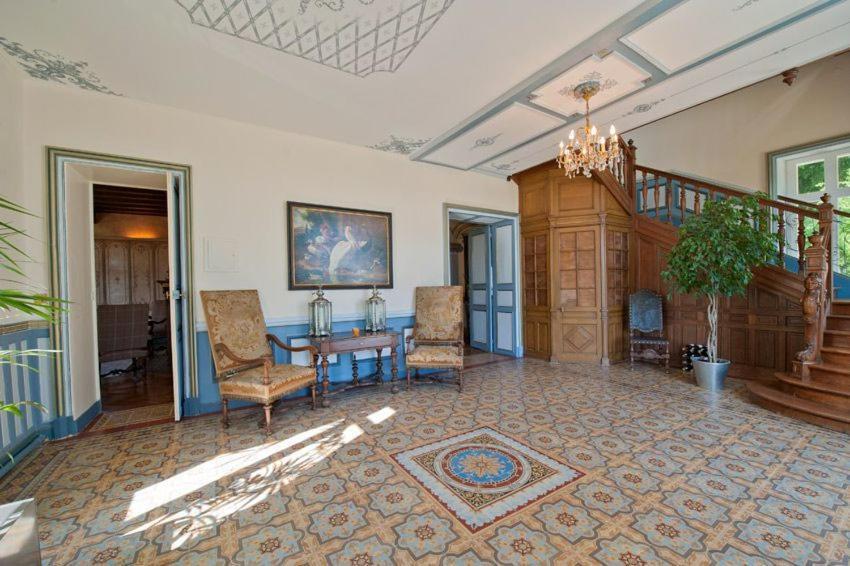 Hotel Le Saint Romain Dange
