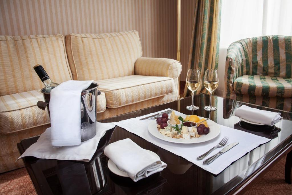 Hotel otrada odesa viamichelin informatie en online for Garderobe odessa