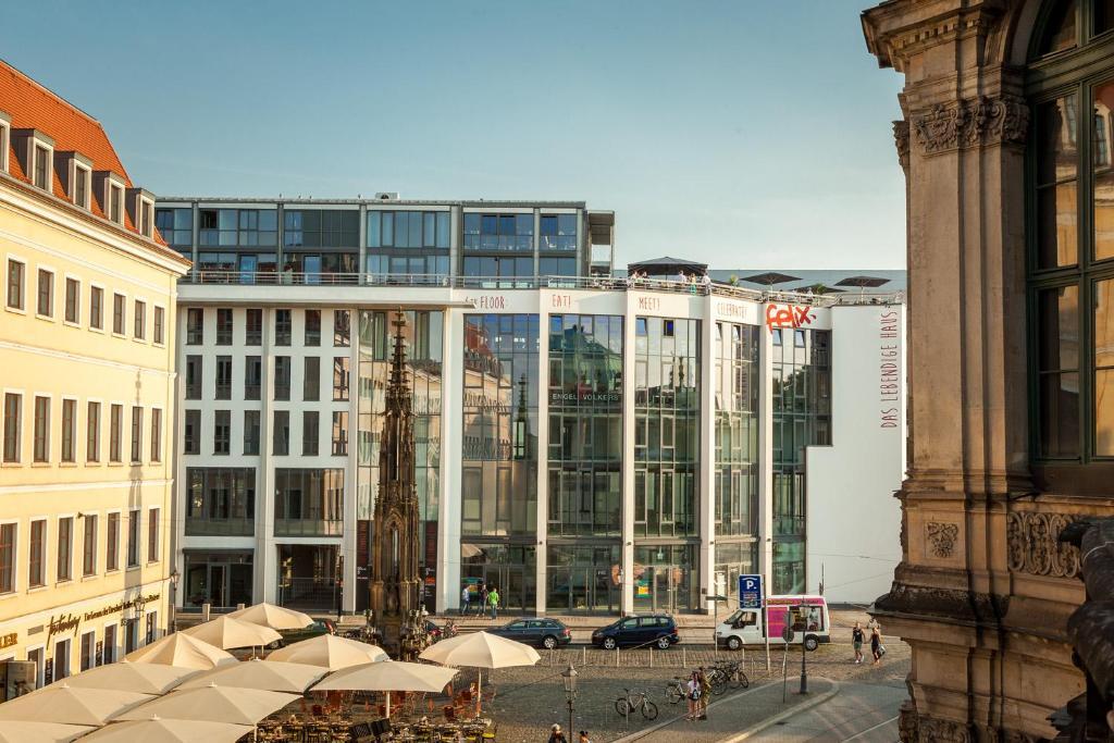 Das lebendige haus am zwinger design aparthotel for Design hotel dresden