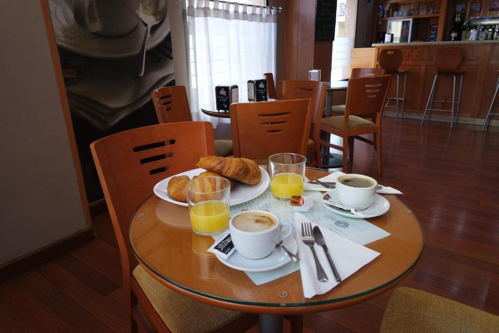 Um restaurante ou outro lugar para comer em Sol Almería