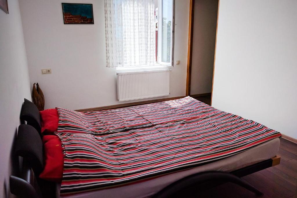 Zandukeli apartments r servation gratuite sur viamichelin for Canape tbilisi