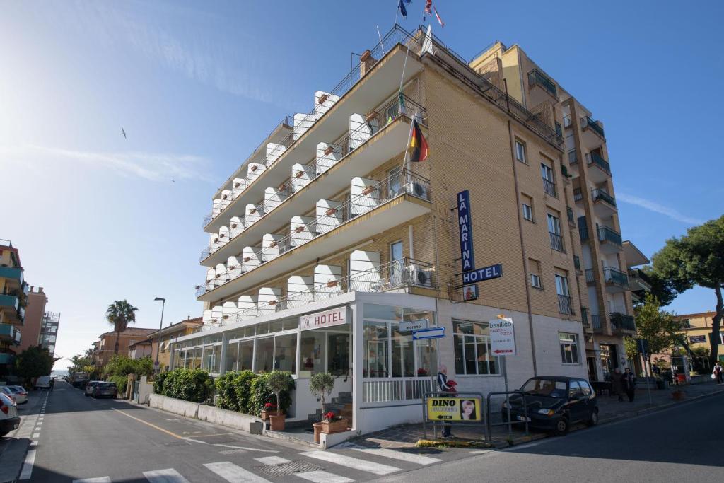 Hotel La Marina A San Bartolomeo Al Mare