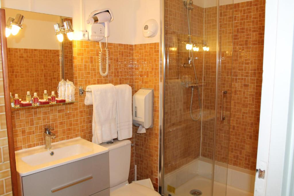 H tel moderne gisors viamichelin informatie en online reserveren for Moderne toiletartikelen
