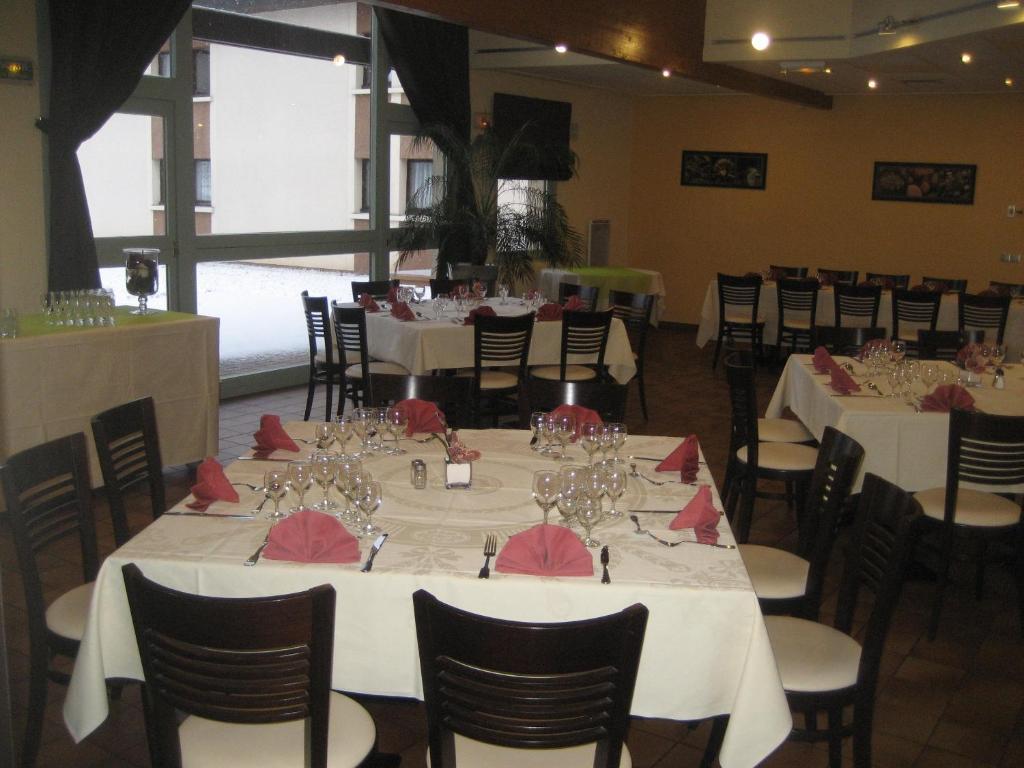 Hotel Restaurant Mont Vernon Saint Marcel