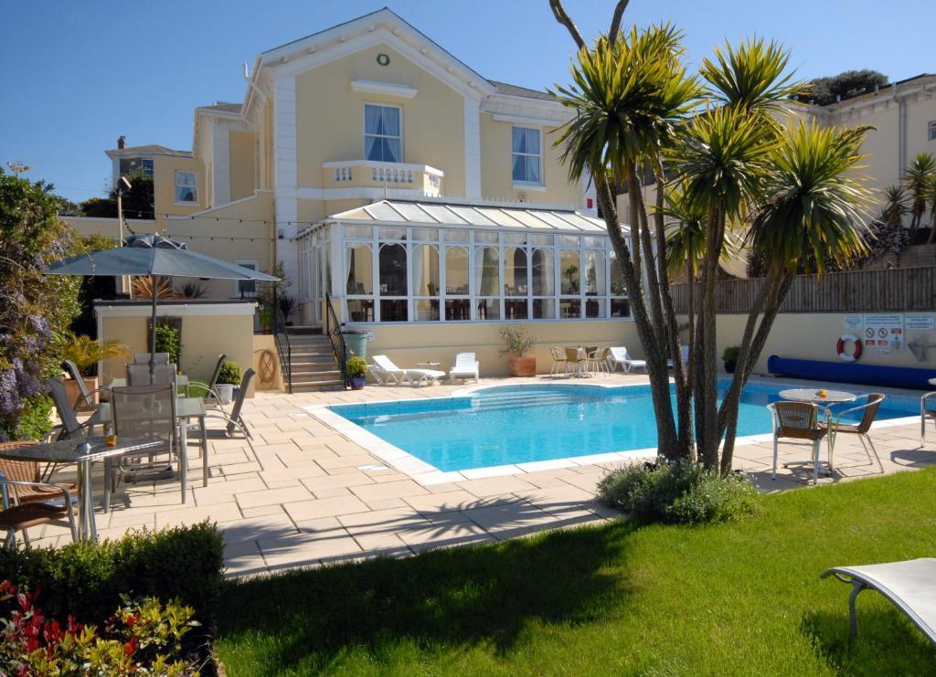 Riviera Lodge Hotel Torquay Book Your Hotel With Viamichelin