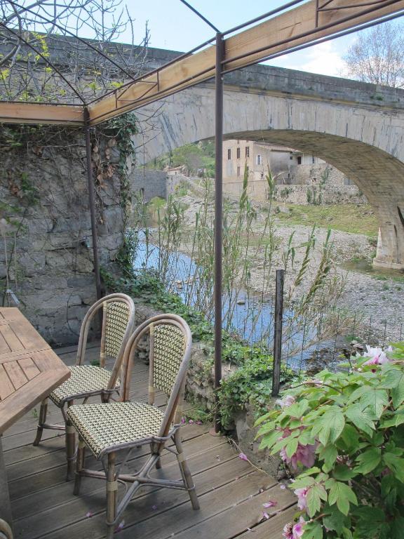 la maison sur le pont locations de vacances lagrasse