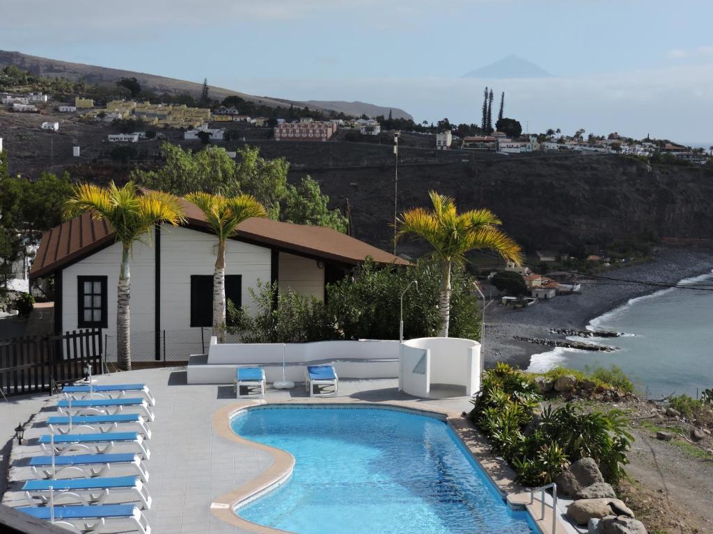 Apartamentos santa ana adults only san sebasti n de la for Hoteles con piscina en san sebastian