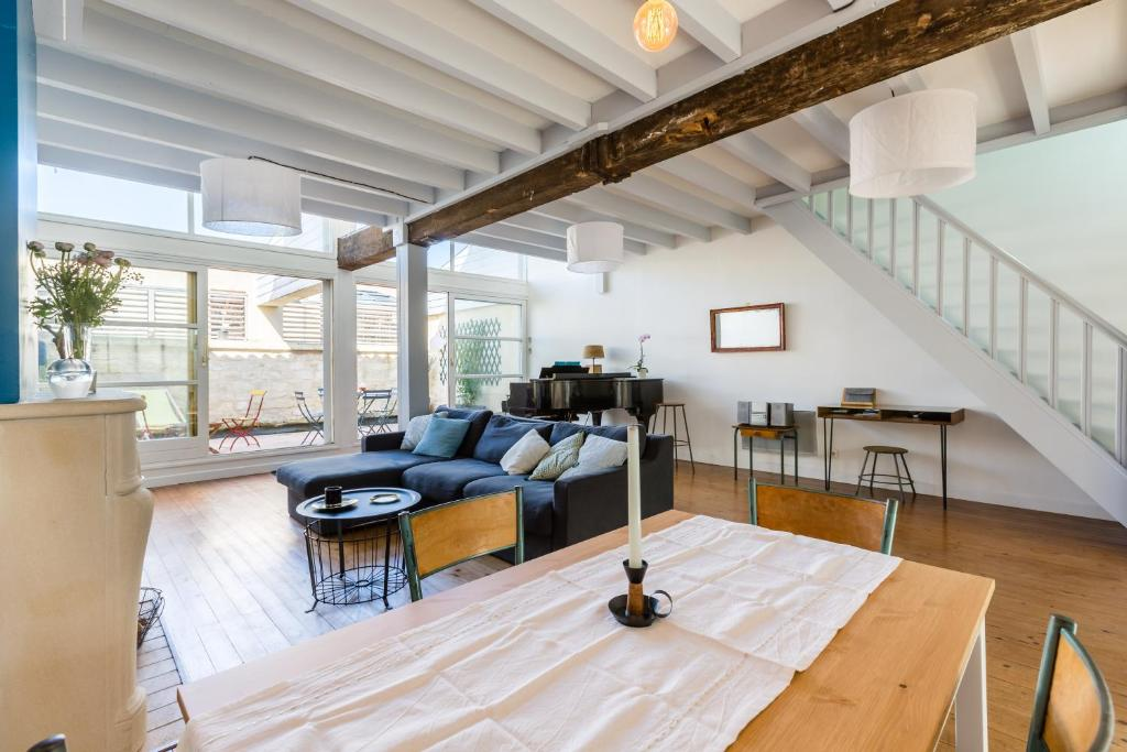 Appartement former winery charming loft locations de for Location loft bordeaux