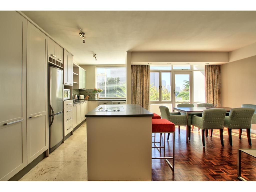 437 st martini gardens apartments kapstadt for Katzennetz balkon mit alfamar algarve gardens apartments