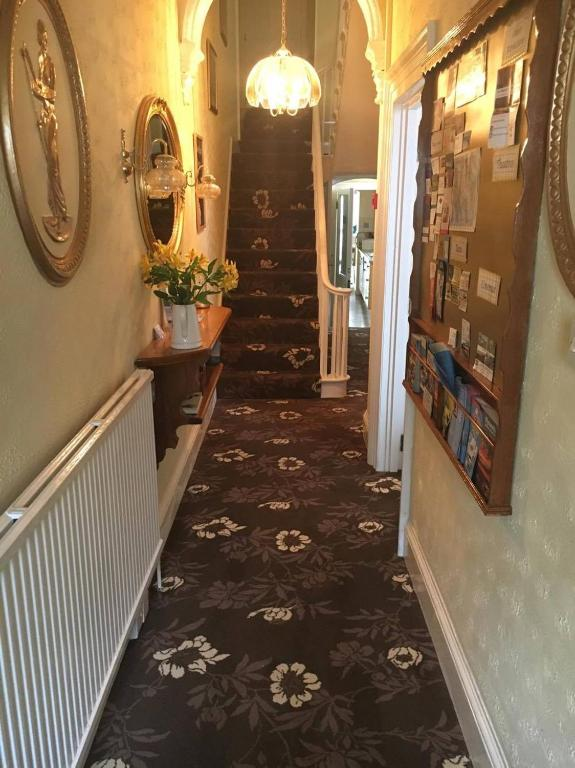 Caledonia Guest House Plymouth Informationen Und