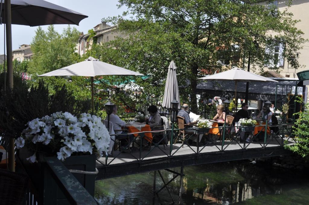 Les terrasses de david et louisa l 39 isle sur la sorgue for Hotels isle sur la sorgue
