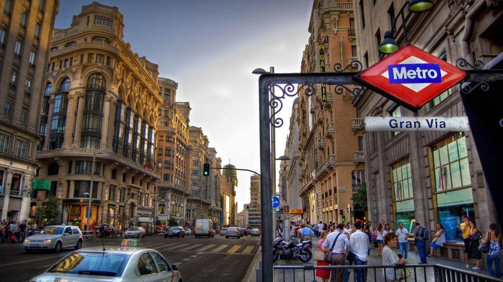 Hotel Al Centro Di Madrid