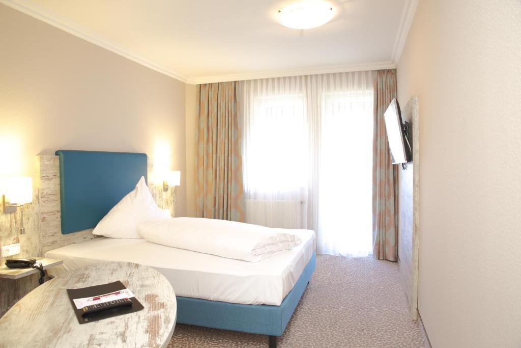 hotel r merstadt gersthofen prenotazione on line viamichelin. Black Bedroom Furniture Sets. Home Design Ideas
