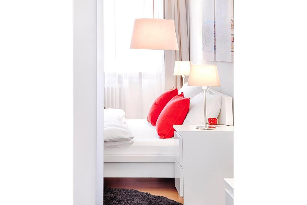 concept living munich serviced apartments munich online booking viamichelin. Black Bedroom Furniture Sets. Home Design Ideas