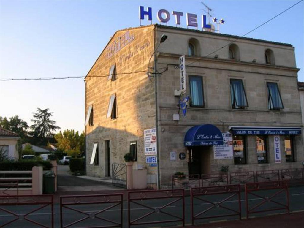 Hotel entre 2 mers proche bordeaux carbon blanc for Hotel proche
