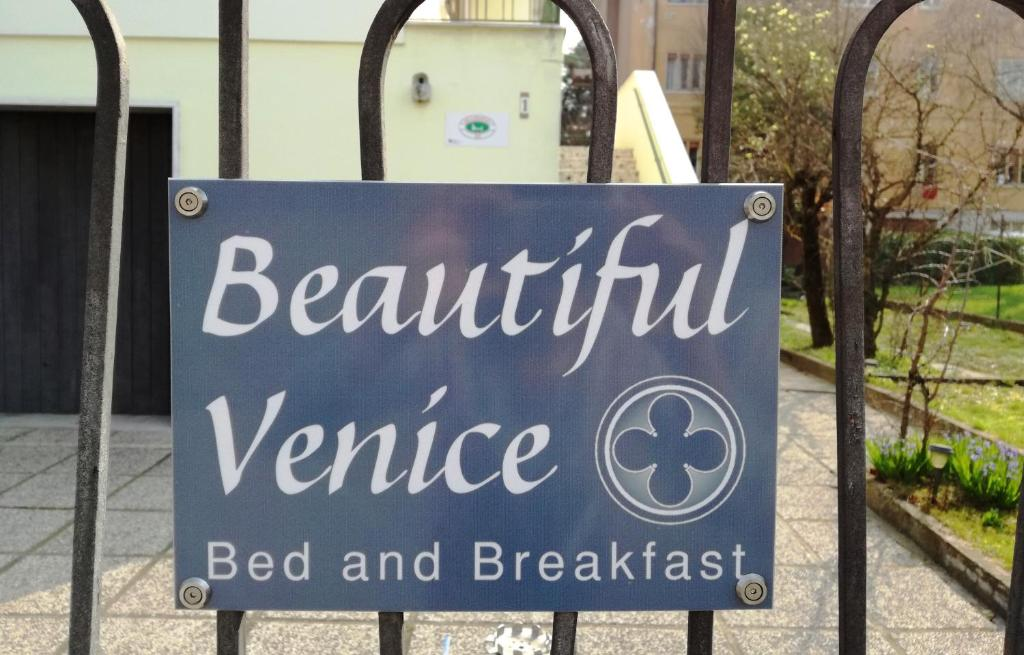 bed breakfast beautiful venice bed and breakfast kamers b b marghera. Black Bedroom Furniture Sets. Home Design Ideas
