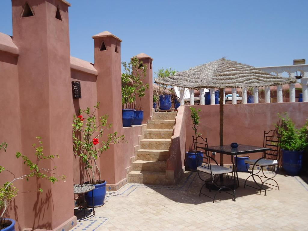 Riad tahar oasis chambres d 39 h tes marrakech for Chambre d hote marrakech