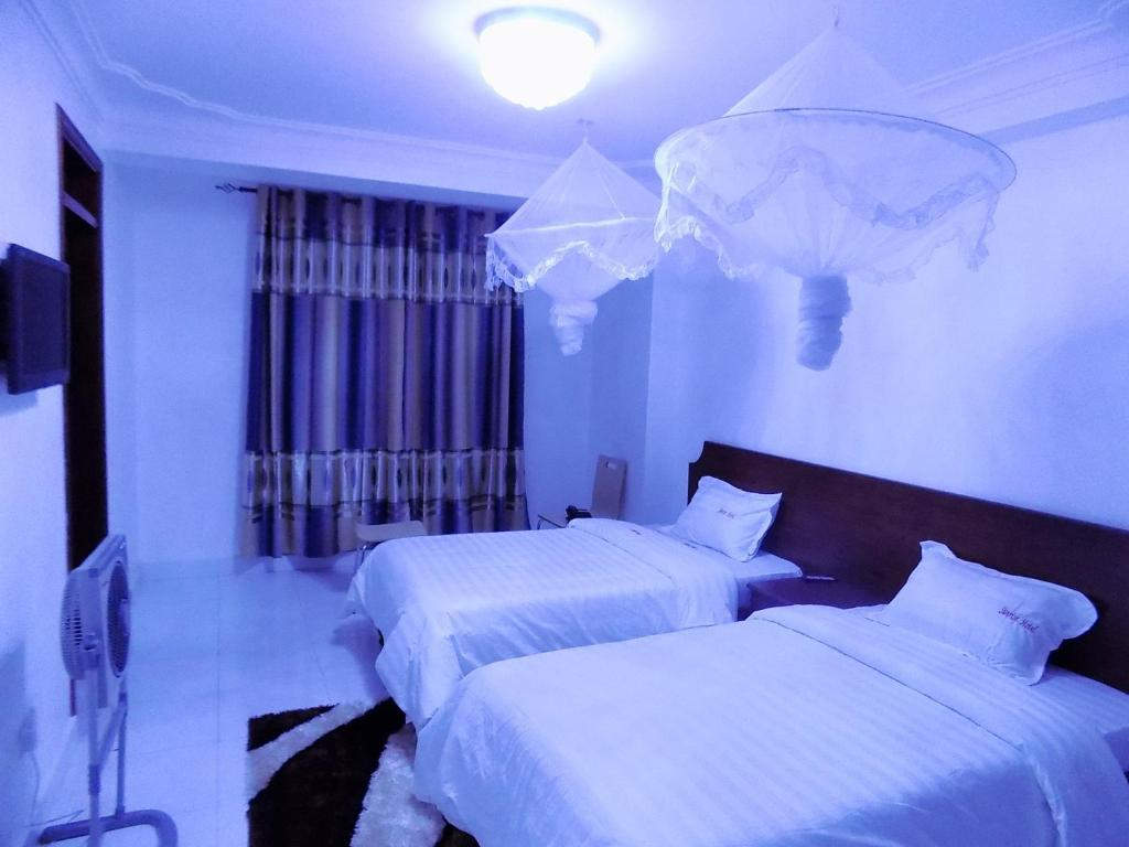 Brimax Hotel
