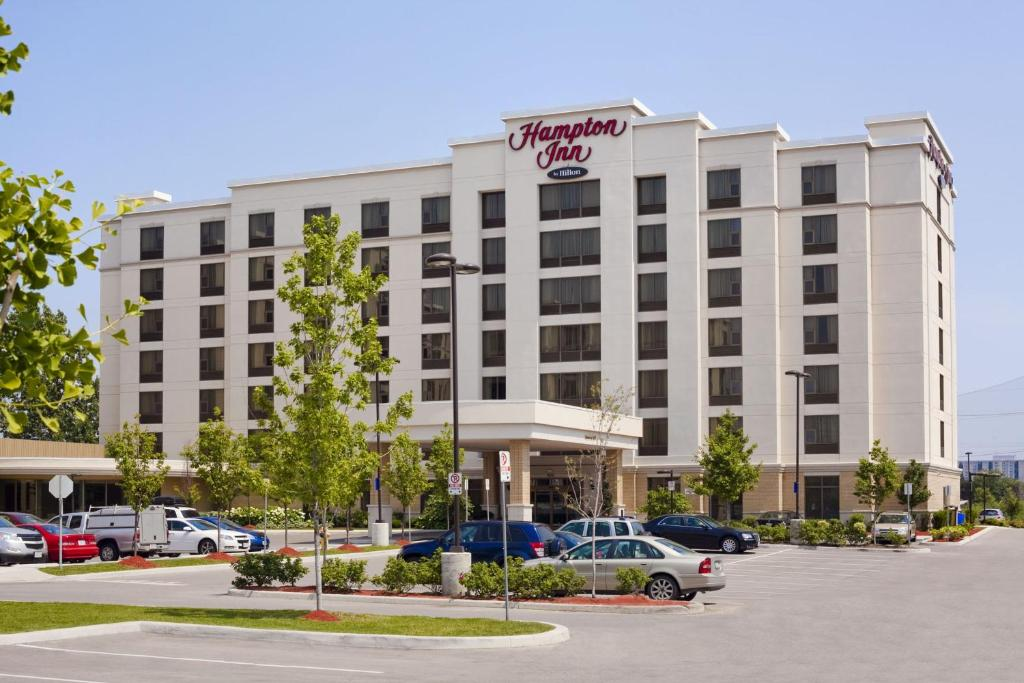 Toronto Airport Hotels With Parking And Shuttle