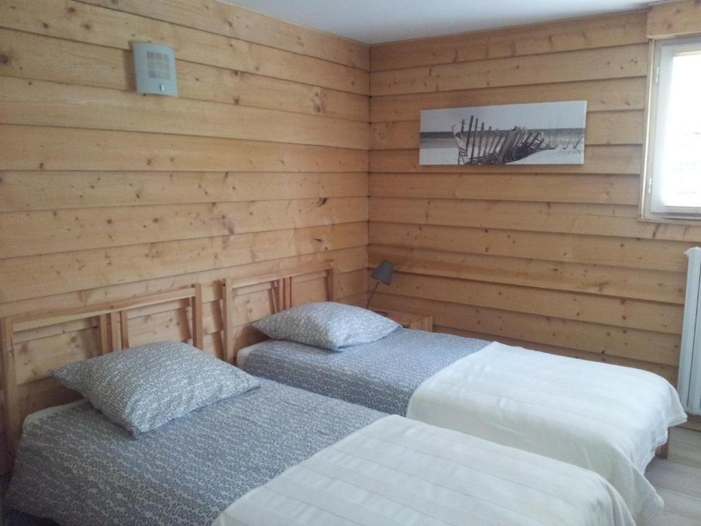 chambres d 39 h tes biologis les clairions chambres d 39 h tes notre dame de monts. Black Bedroom Furniture Sets. Home Design Ideas