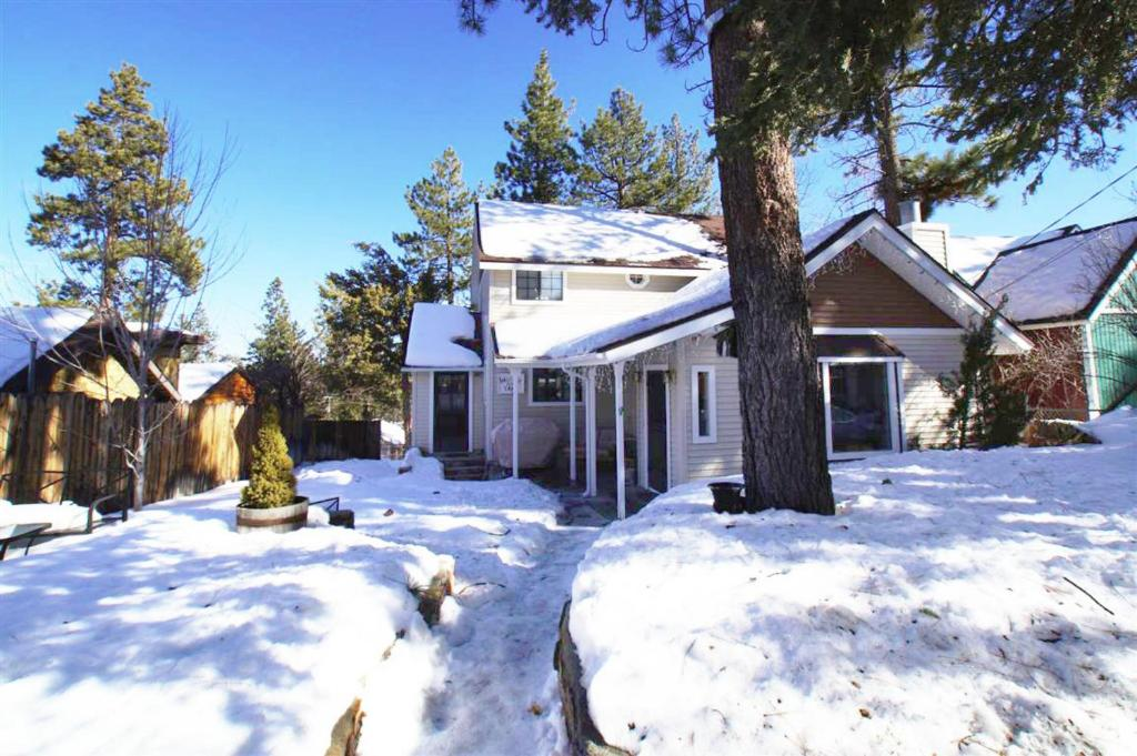 cabin fever big bear lake book your hotel with viamichelin On cabin fever big bear lake ca