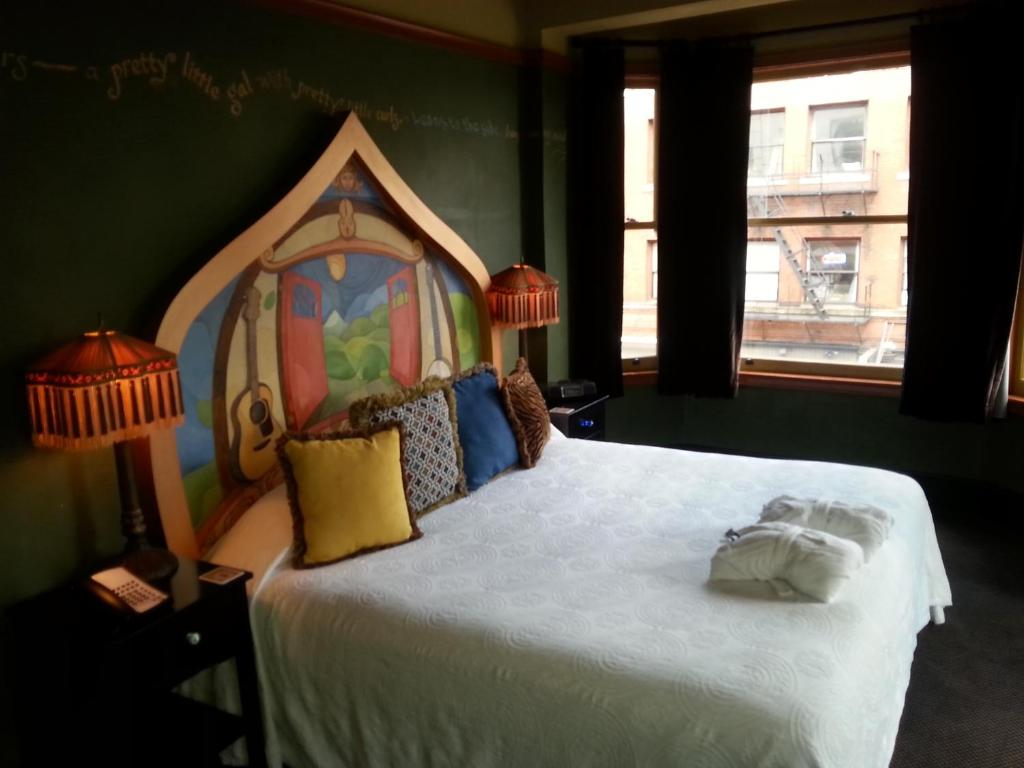 Mcmenamins Crystal Hotel Portland Book Your Hotel With