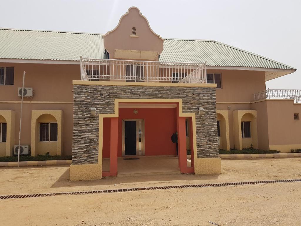 Borno Hotel & Suites