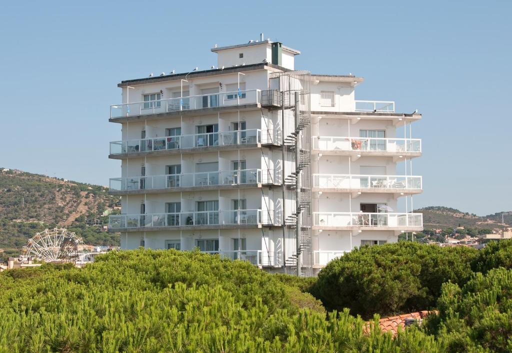 Appartements goetten apartamentos locations de vacances castell platja d 39 aro - Apartamentos avenida ...