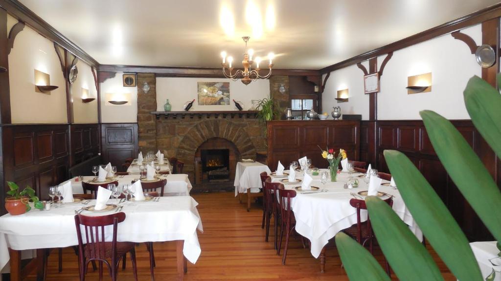 Hotel Restaurant Le Pont D Or Gorges De L Aveyron