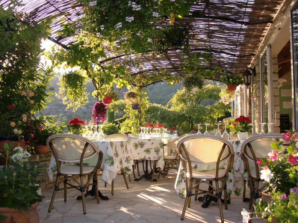 Le grand jardin beaumes de venise prenotazione on line Le jardin francais