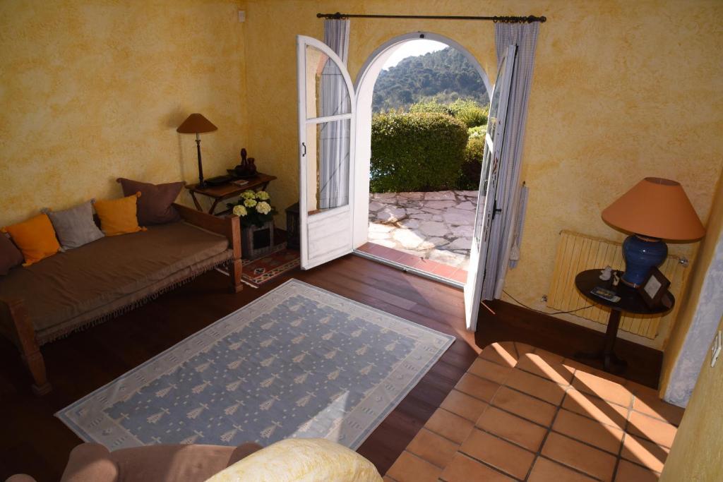 Chambres d 39 h tes le mas de l 39 aighetta chambres d 39 h tes for Le mas provencal eze