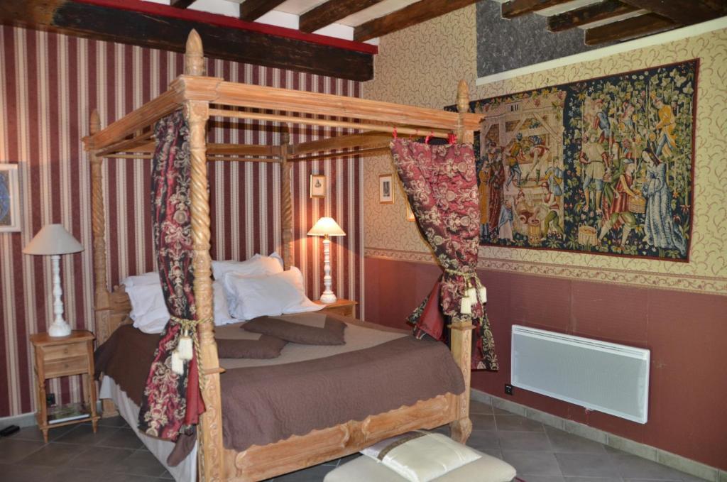la tour du lion questembert reserva tu hotel con viamichelin. Black Bedroom Furniture Sets. Home Design Ideas