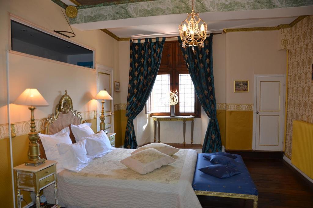 la tour du lion questembert informationen und buchungen online viamichelin. Black Bedroom Furniture Sets. Home Design Ideas