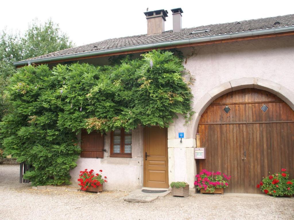 Maison De Vacances La Chapelle Aux Bois, Casas de vacaciones Bains les Bains # Hotel La Chapelle Des Bois