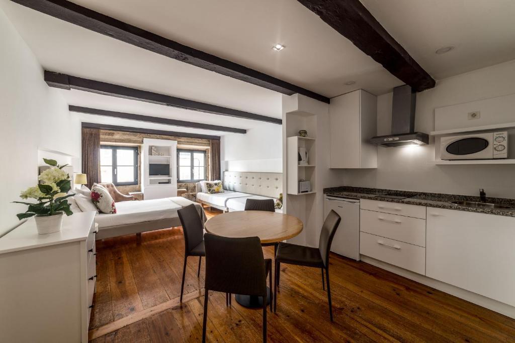 Comercio do porto by oporto tourist apartments r servation gratuite sur viamichelin - Booking oporto apartamentos ...