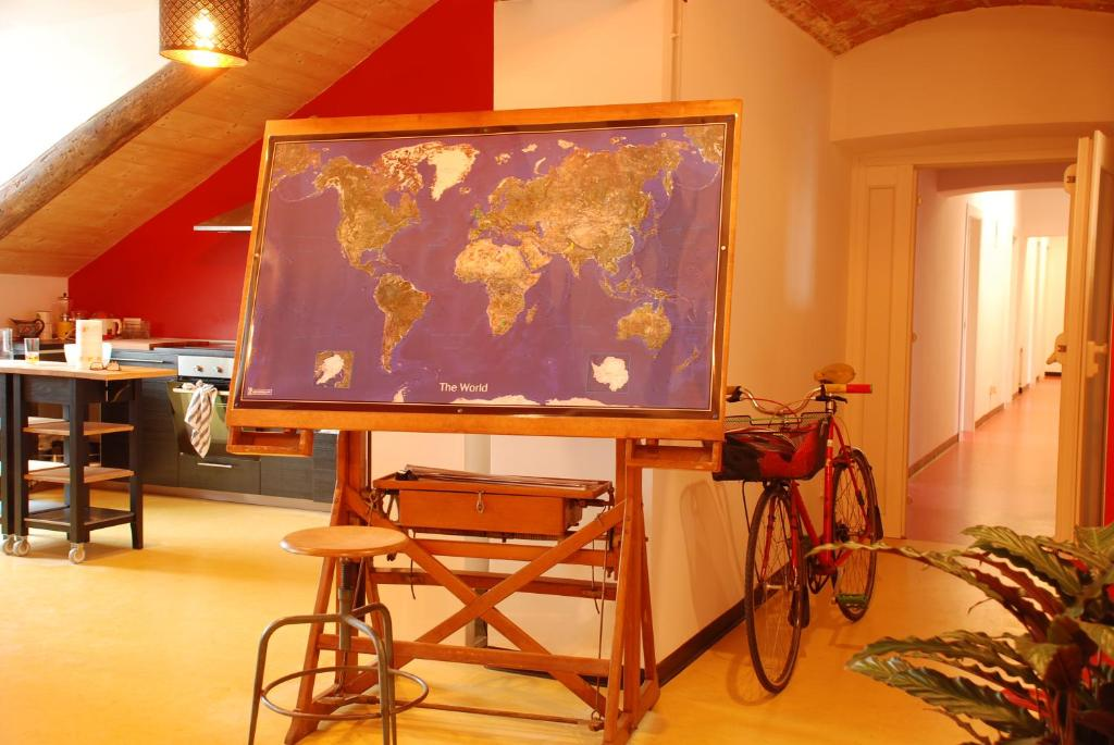 Attic hostel torino turin online booking viamichelin for Hostel turin
