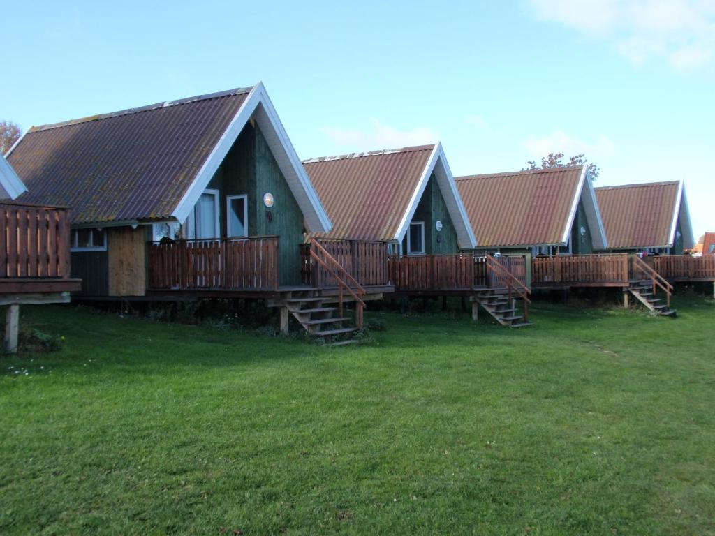 Sandkaas family camping cottages r nne prenotazione for Family cottages