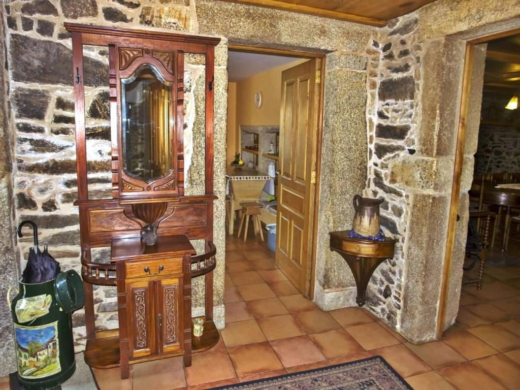Casa De Vacaciones Casa Refugio De Verdes Espa A Verdes  # Muebles Pombo A Coruna