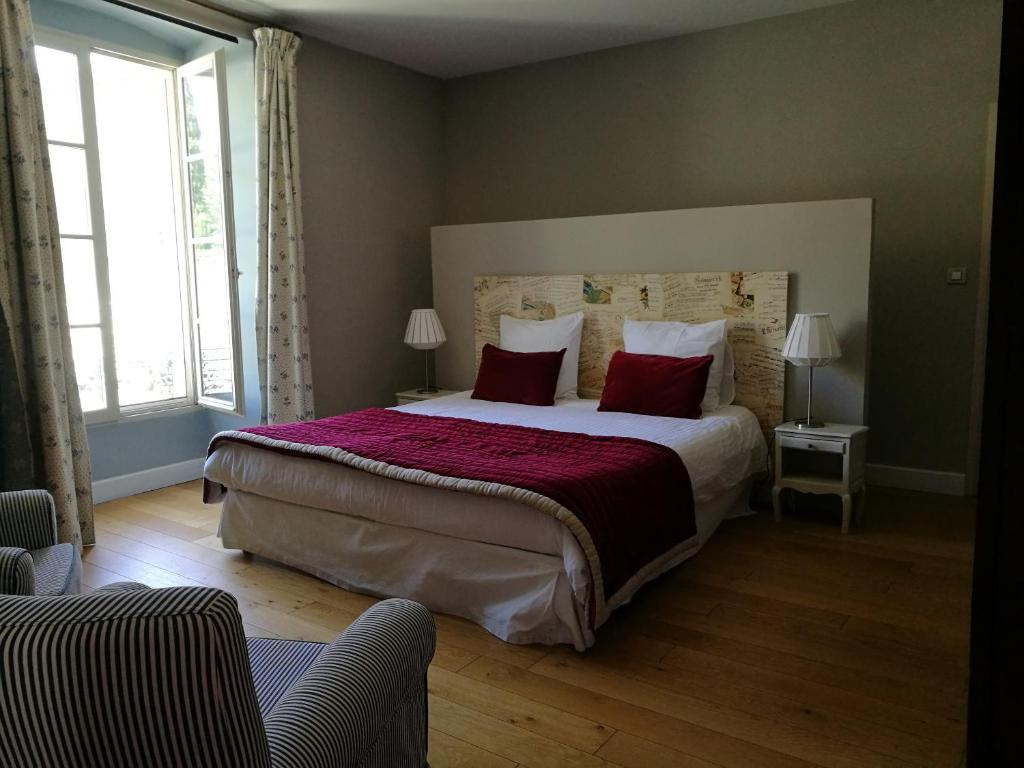 l 39 observance bed breakfast avignon book your hotel with viamichelin. Black Bedroom Furniture Sets. Home Design Ideas